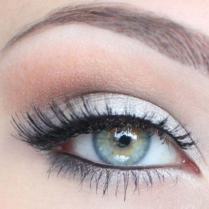 make up deep set eyes
